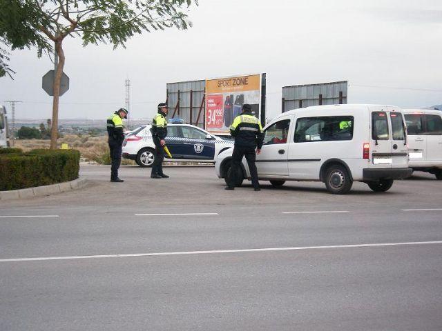 La Policía Local de Totana se adhiere a la campaña especial de control de la tasa de alcoholemia y del consumo de drogas de la DGT, Foto 1
