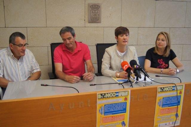 El ayuntamiento, las AMPAS y Cáritas ponen en marcha el proyecto Banco de libros de texto, Foto 1