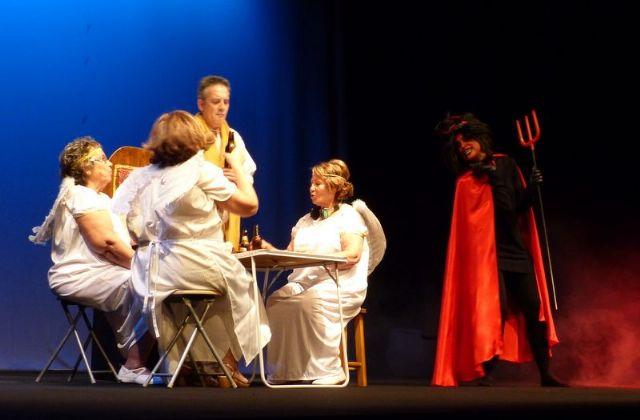 Éxito en el teatro solidario a beneficio de D´Genes, Foto 3