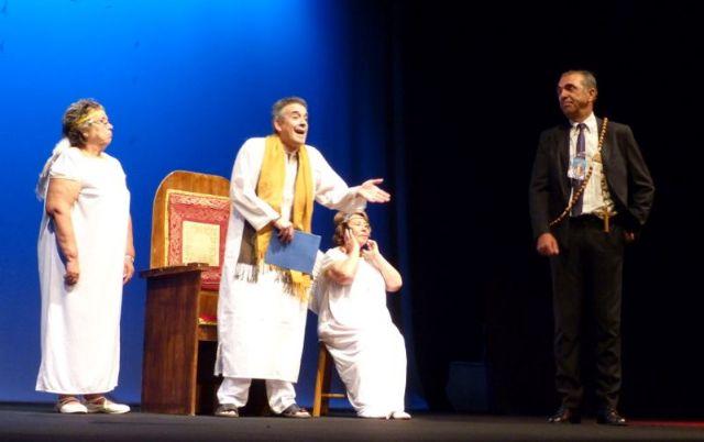 Éxito en el teatro solidario a beneficio de D´Genes, Foto 7