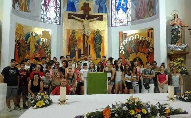 Unos 60 jóvenes de la parroquia de Los Barqueros peregrinan a Calasparra, Foto 1