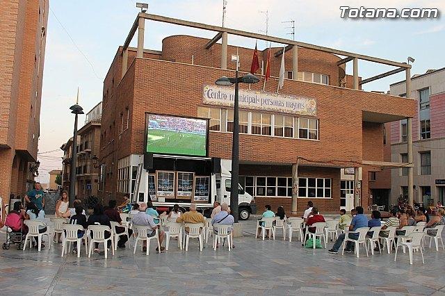 Instalaron una pantalla gigante en la Plaza Balsa Vieja, Foto 2