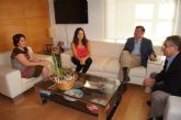 La alcaldesa de Totana recibe al presidente de la Mancomunidad de Canales del Taibilla