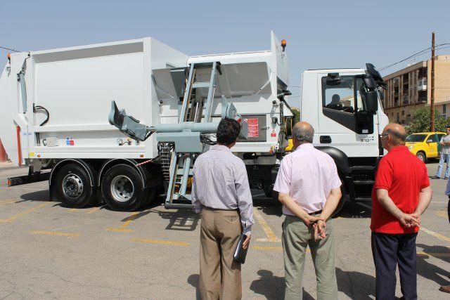 Mazarrón en la vanguardia medioambiental al renovar su flota de vehículos de limpieza con un nuevo camión, Foto 3