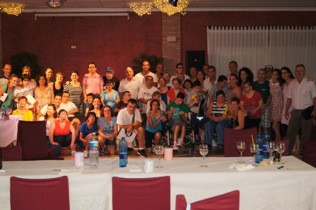 Los alumnos del Centro de Día José Moyá clausuran las actividades del curso, con un emotivo acto, Foto 1