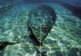 La acción ilegal de tres buceadores reaviva la necesidad de poner en valor el Barco Fenicio