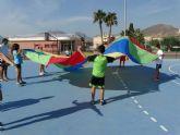 Treinta niños participan en la primera olimpiada de la risa