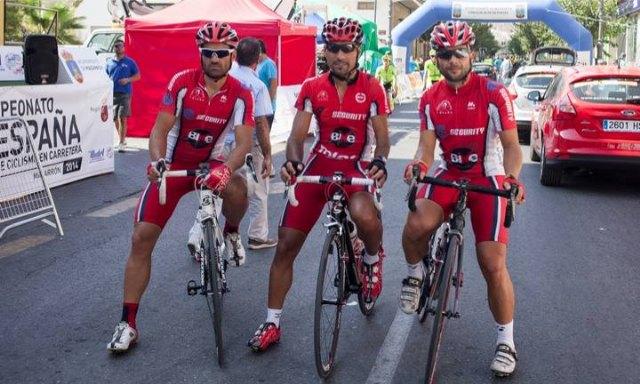 Los ciclistas del CC Santa Eulalia, muy combativos en los Campeonatos de España Master de Ciclismo en Ruta, Foto 1