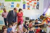 Educación notifica desde hoy por SMS a 21.000 familias la obtención de las becas de material escolar