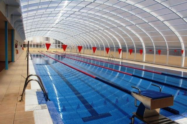 Los alc zares la nueva cubierta de la piscina del centro for Piscina cubierta alcantarilla