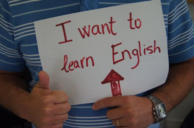 On Tuesday September 23 remaining seats for all courses of the Official Language School from 2014 to 2015 will be awarded - 1
