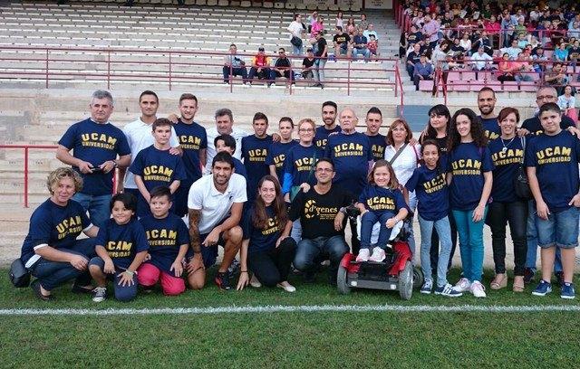 D´Genes agradece al UCAM Murcia C.F. su solidaridad por colaborar con la asociación