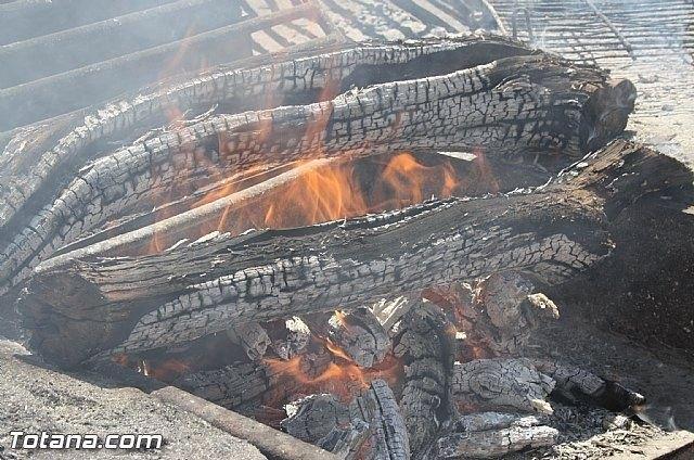 Las barbacoas ubicadas en La Santa y en zonas recreativas de Sierra de Espuña ya pueden ser utilizadas para hacer fuego, Foto 1