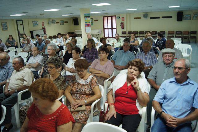 El Centro Municipal de Personas Mayores Plaza de la Balsa Vieja pone en marcha para este curso 2014-2015 un amplío programa para mayores de 60 años y pensionistas, Foto 1
