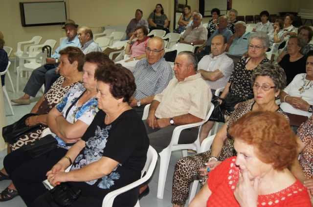 El Centro Municipal de Personas Mayores Plaza de la Balsa Vieja pone en marcha para este curso 2014-2015 un amplío programa para mayores de 60 años y pensionistas, Foto 4
