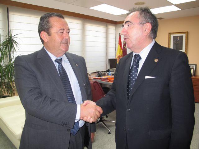 El consejero de Fomento se reúne con el vicepresidente de Etosa, Foto 1