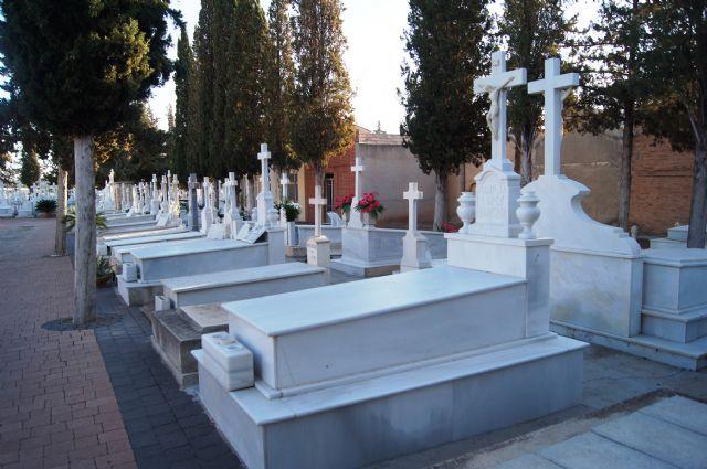 A partir del día 24 de octubre deben cesar las obras en el cementerio municipal por motivo de la festividad de Todos los Santos, Foto 2