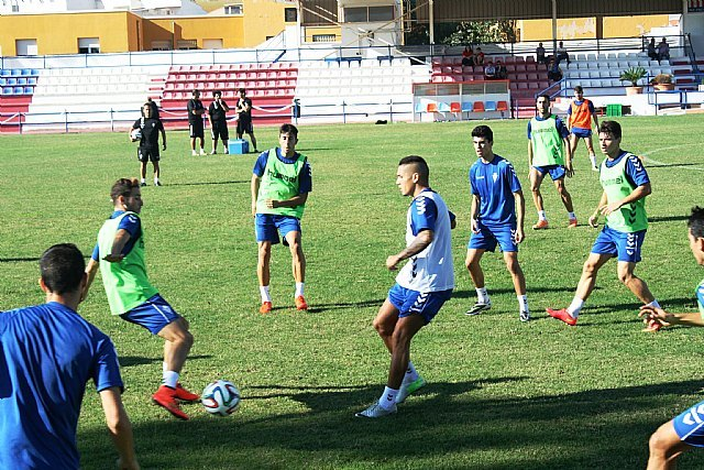 """El Real Murcia CF celebra su primer entrenamiento de la semana en el estadio municipal """"Juan Cayuela"""", cedido por la Concejalía de Deportes, Foto 4"""