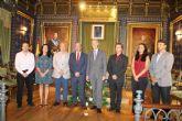 El embajador británico agradece la atención que el alcalde presta a su comunidad en el municipio
