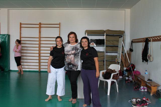 La Concejalía de la Mujer pone en marcha el 'Primer Taller de Autodefensa para Mujeres', Foto 3