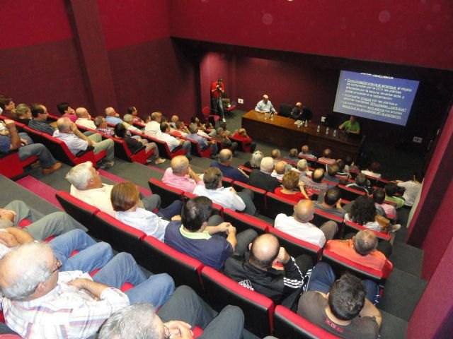 More than 1,000 partners and affected attending informational meetings about drought and aid for organic farming, Foto 1