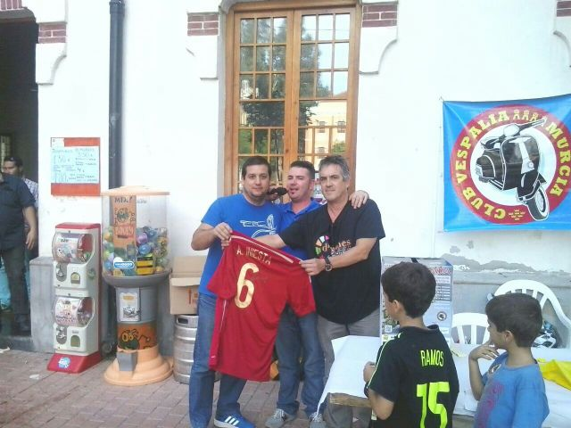 """A total of 231 euros was raised for the association D'Genes VII Vespaliada """"Ciudad de Murcia"""", Foto 5"""