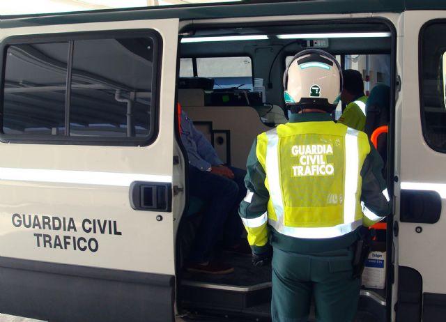 La Guardia Civil detiene a un conductor por suplantar la identidad de un conocido para conducir con pérdida total de puntos, Foto 1