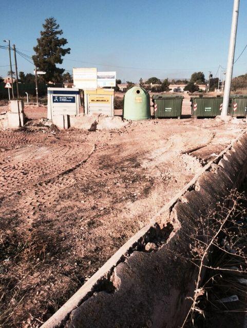 La Concejalía de Servicios y Medio Ambiente está procediendo a la limpieza de vertidos ilegales en diferentes puntos incontrolados del municipio, Foto 4