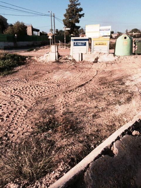La Concejalía de Servicios y Medio Ambiente está procediendo a la limpieza de vertidos ilegales en diferentes puntos incontrolados del municipio, Foto 5