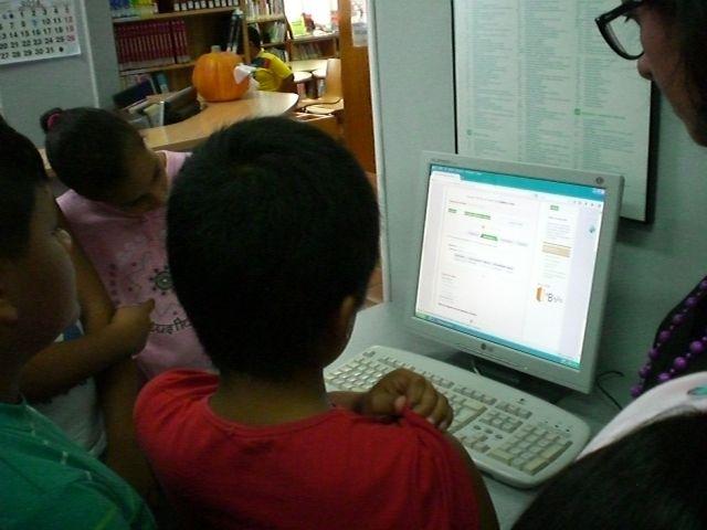 La actividad Conoce tu biblioteca inaugura el programa de actividades propuesto a los centros docentes de Totana, Foto 1