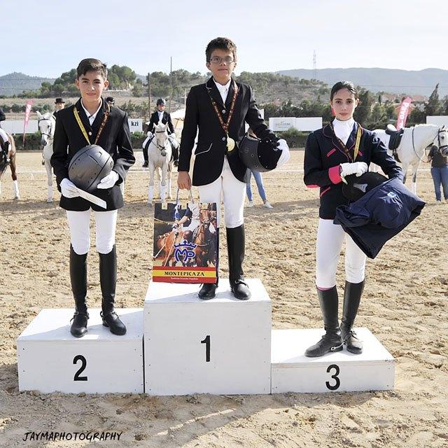 La totanera Mari Carmen Tudela Soto subió al podium en el Campeonato de Doma Clásica de la Región de Murcia, Foto 4