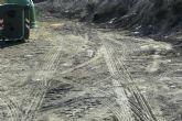 La Concejalía de Servicios y Medio Ambiente está procediendo a la limpieza de vertidos ilegales en diferentes puntos incontrolados del municipio