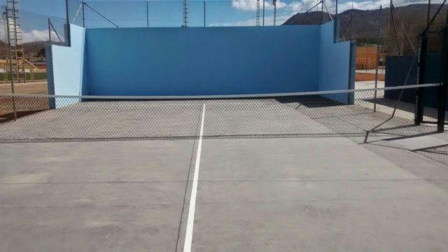 La uni n el polideportivo municipal cuenta con una nueva for Piscina cubierta alcantarilla