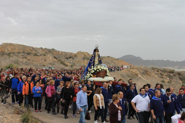 Miles de personas acompañan a la Virgen del Milagro hasta su santuario en Bolnuevo, Foto 3