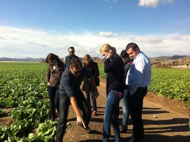 La Comunidad enseña la producción hortofrutícola de la Región a nueve grandes empresas de Kazajistán, Bielorusia y Ucrania, Foto 1