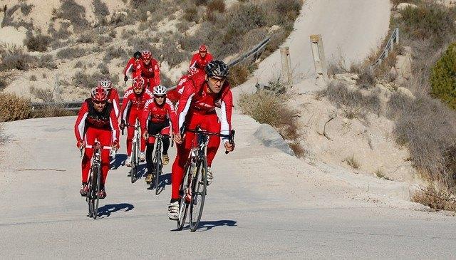 Se presenta el equipo ciclista del Club Ciclista Santa Eulalia, Foto 2
