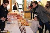 El II desayuno solidario a beneficio de Cáritas recaudó unos 200 Kg de comida y más de 100 juguetes
