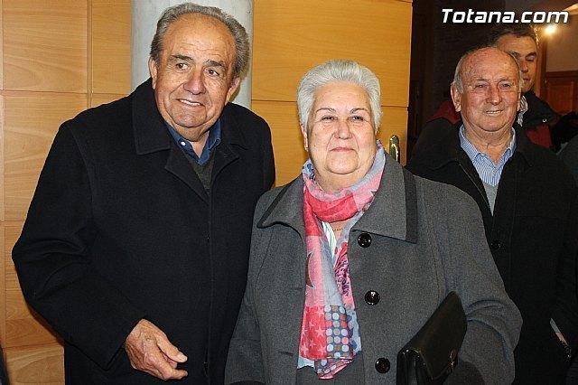 La alcaldesa felicita a la pregonera y nazareno de honor de la Semana Santa del 2015, Foto 1