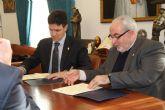 El Ayuntamiento de Alhama de Murcia ha firmado con la UCAM un acuerdo de colaboraci�n para contribuir al desarrollo econ�mico y sostenible del municipio