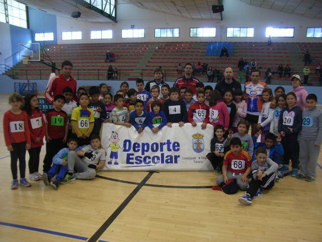 La Concejalía de Deportes organizó la Fase Local de Jugando al Atletismo de Deporte Escolar, Foto 1