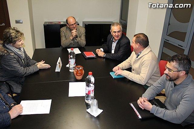 Rafael Gónzalez Tovar Candidato a la Presidencia de la Comunidad Autónoma y Andrés García candidato a la Alcaldía de Totana se reúnen con empresarios y vecinos, Foto 2
