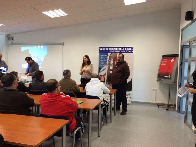 Se inaugura el Curso Prevención de Riesgos Laborales en el puesto de trabajo: Manejo Seguro del Tractor, Foto 1
