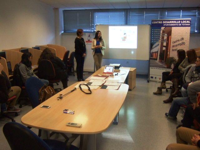 La Concejalía de Fomento del Empleo y la OMEP organizan un taller formativo de Social Media Avanzada para Pymes, Foto 2