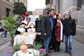El alcalde de Alhama de Murcia, Alfonso Fernando Cer�n Morales, ha distinguido a los actores TERELE P�VEZ, ENRIQUE VILL�N Y CAROLO RUIZ, con el t�tulo de EMBAJADORES DE LAS FIESTAS DE LOS MAYOS DE ALHAMA DE MURCIA