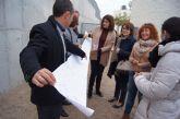 Autoridades municipales visitan el CEIP La Cruz para conocer el desarrollo del proyecto de Huerto Escolar Ecológico que le ha concedido la CARM