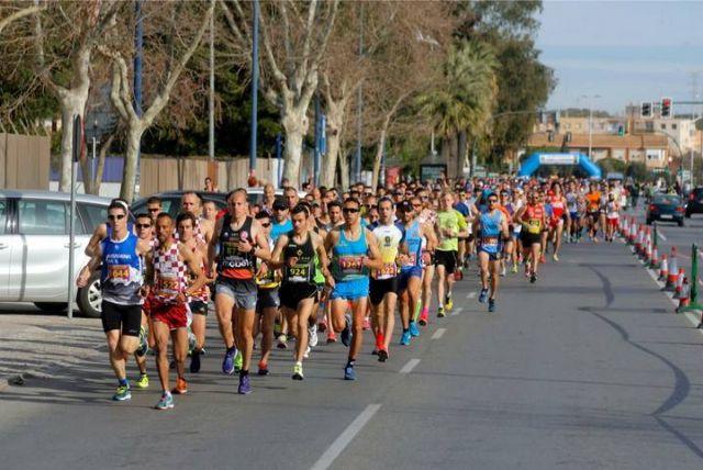 Gran actuación de los atletas del Club Atletismo Totana en la XXII Media Maratón de Cartagena, Foto 4