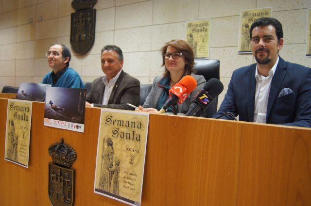 El Ayuntamiento edita 5.000 folletos informativos sobre los actos litúrgicos y culturales de la Semana Santa´2015, Foto 3