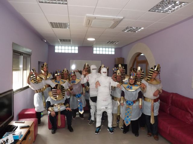 Los usuarios del Centro Ocupacional recrean el Antiguo Egipto en Carnaval, Foto 1