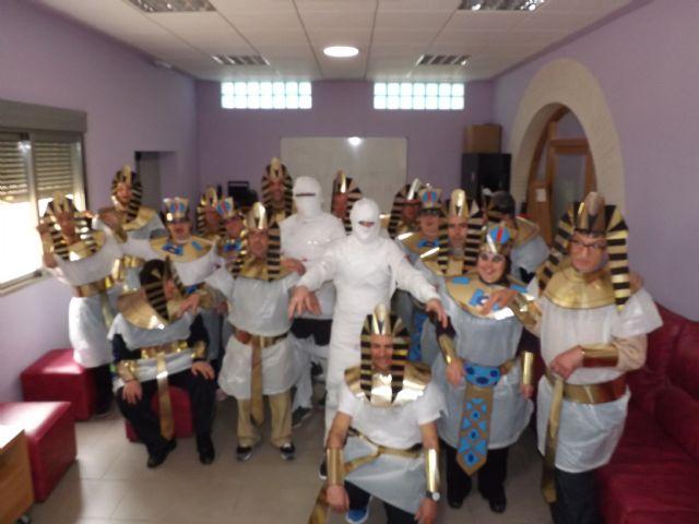 Los usuarios del Centro Ocupacional recrean el Antiguo Egipto en Carnaval, Foto 2