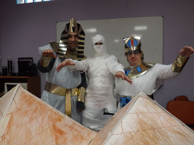 Los usuarios del Centro Ocupacional recrean el Antiguo Egipto en Carnaval, Foto 3